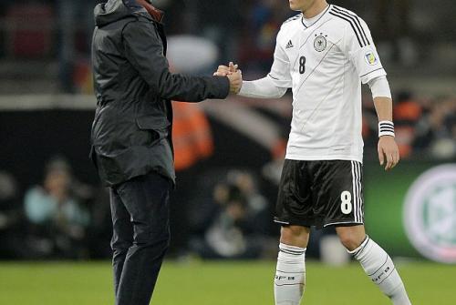 Mesut Oezil Memutuskan Untuk Pensiun Dari Timnas Jerman