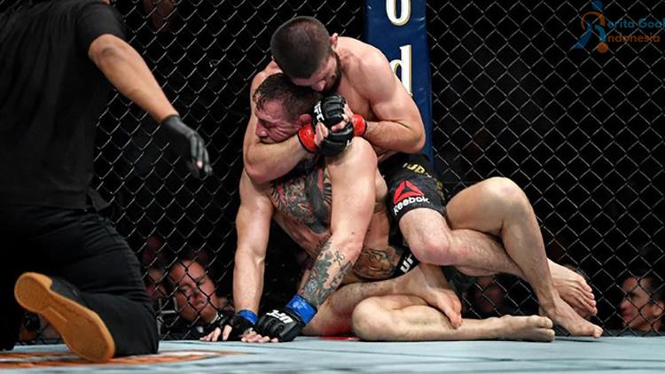 Khabib Nurmagomedov akhirnya sukses mengunci Conor McGregor