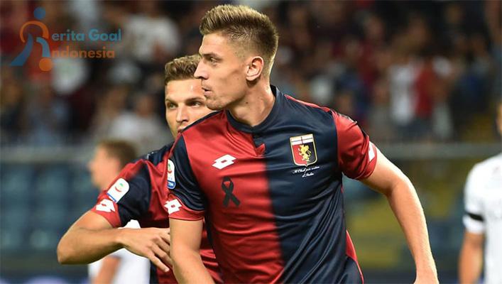 Krzysztof Piatek Sang Top Scorer Sementara Serie A