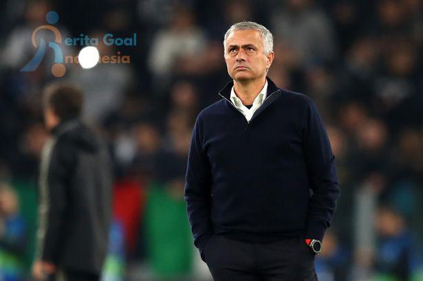 Nani Anggap Mourinho Masih Bisa Terus Kembangkan MU